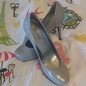 Guess fabulous gray patent leather platform heels